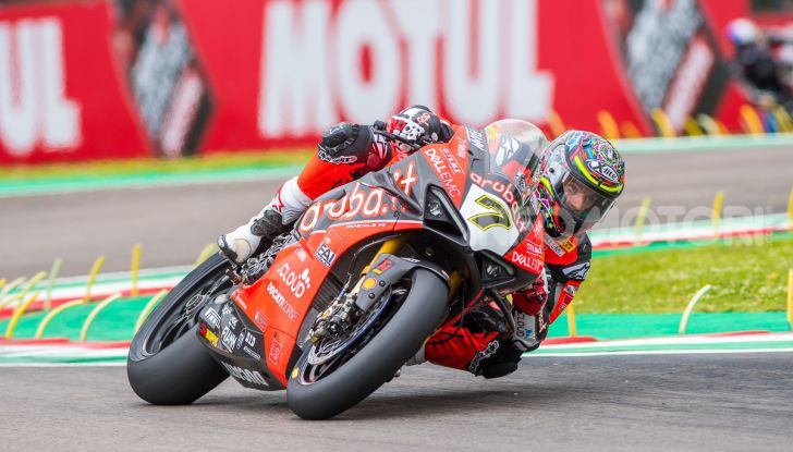 SBK 2019 GP d'Italia: a Imola Jonathan Rea rompe il dominio di Bautista e della Ducati - Foto 33 di 35