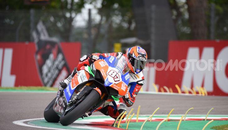 SBK 2019 GP d'Italia: a Imola Jonathan Rea rompe il dominio di Bautista e della Ducati - Foto 11 di 35