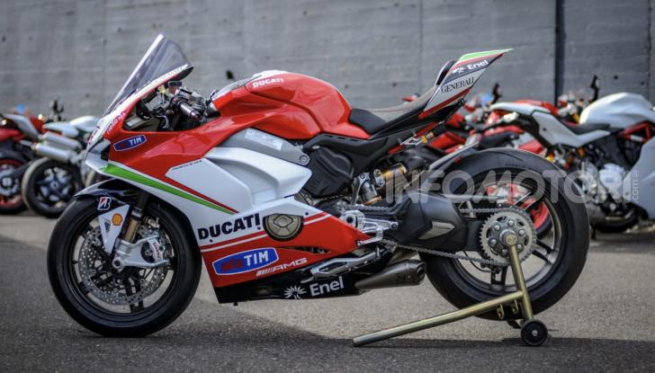 Ducati: arriva la V4 R in versione StreetFighter - Foto 2 di 7