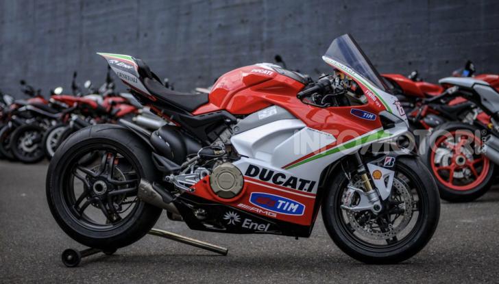 Ducati: arriva la V4 R in versione StreetFighter - Foto 3 di 7
