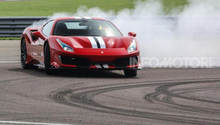 La Ferrari 488 Hybrid 2019 debutta a Maranello: 1.000CV di potenza ibrida - Foto 6 di 13