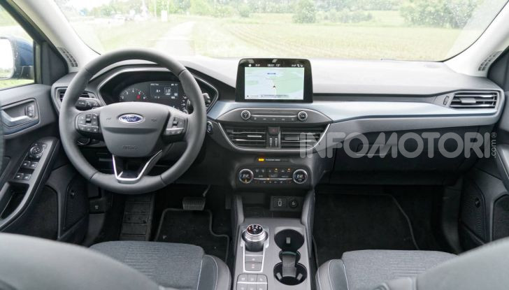 Ford Focus Active interni sync 3