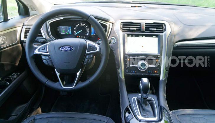 Prova video Ford Mondeo Hybrid 2.0 SW Vignale 2019, ottimi consumi reali! - Foto 4 di 61