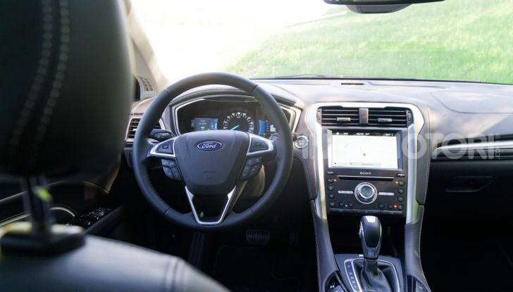 Prova video Ford Mondeo Hybrid 2.0 SW Vignale 2019, ottimi consumi reali! - Foto 5 di 61
