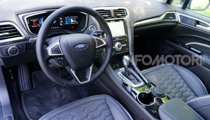 Prova video Ford Mondeo Hybrid 2.0 SW Vignale 2019, ottimi consumi reali! - Foto 20 di 61