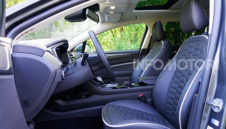 Prova video Ford Mondeo Hybrid 2.0 SW Vignale 2019, ottimi consumi reali! - Foto 25 di 61
