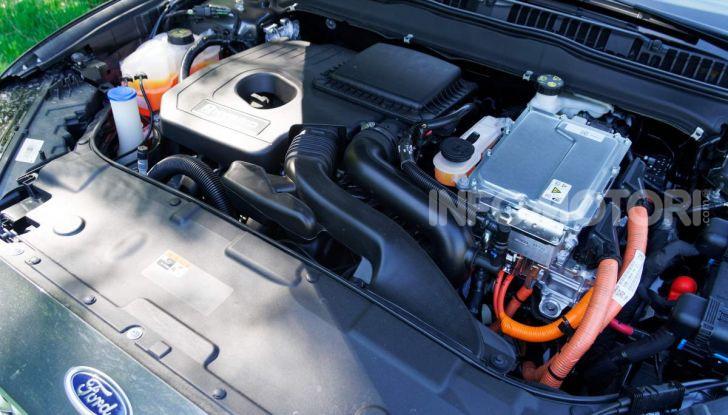 Prova video Ford Mondeo Hybrid 2.0 SW Vignale 2019, ottimi consumi reali! - Foto 28 di 61