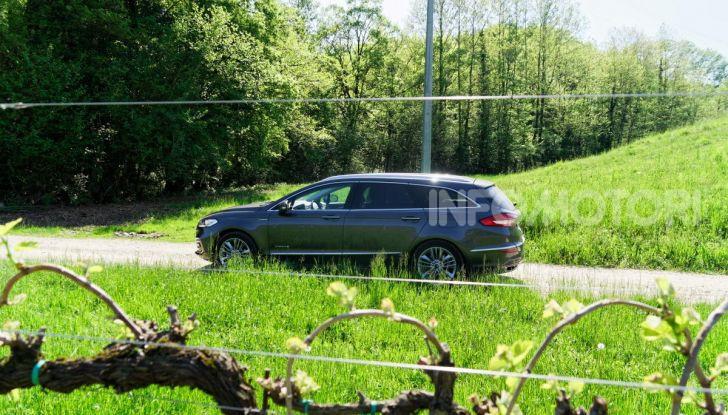 Prova video Ford Mondeo Hybrid 2.0 SW Vignale 2019, ottimi consumi reali! - Foto 42 di 61