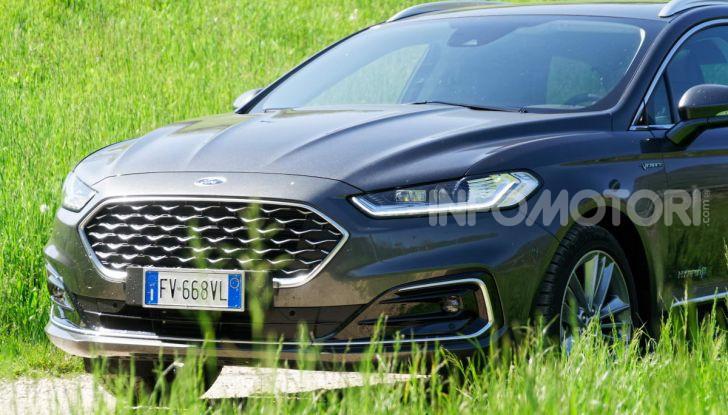 Prova video Ford Mondeo Hybrid 2.0 SW Vignale 2019, ottimi consumi reali! - Foto 47 di 61