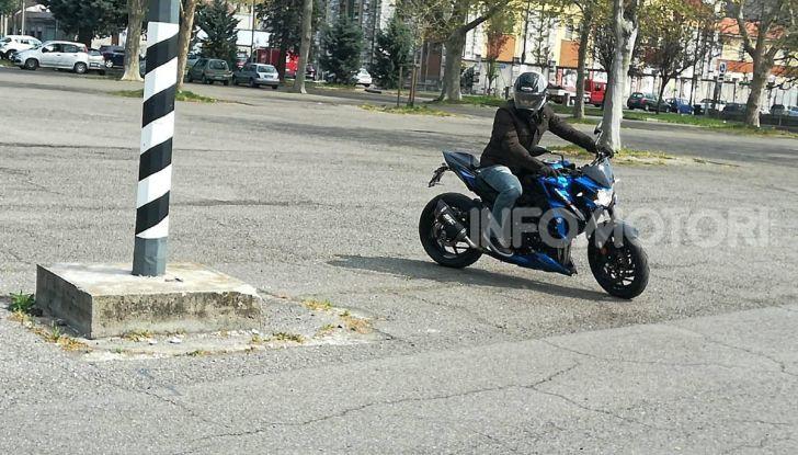 Come guidare in sicurezza la moto in quattro semplici mosse - Foto 17 di 17