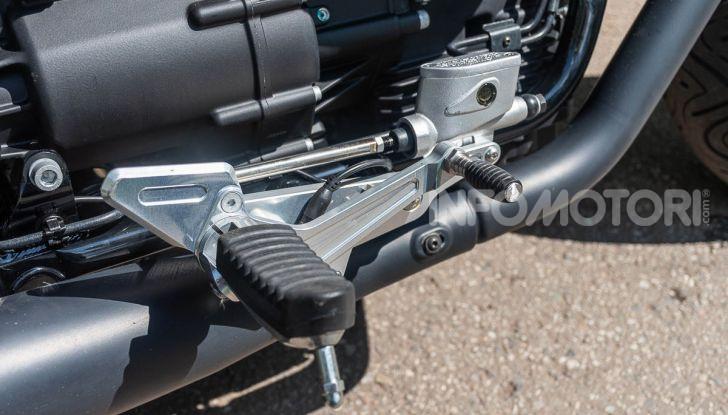 Prova su strada Moto Guzzi V9 Bobber Sport, quando l'estetica si unisce alla sostanza - Foto 8 di 48