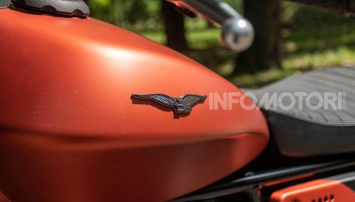 Prova su strada Moto Guzzi V9 Bobber Sport, quando l'estetica si unisce alla sostanza - Foto 17 di 48