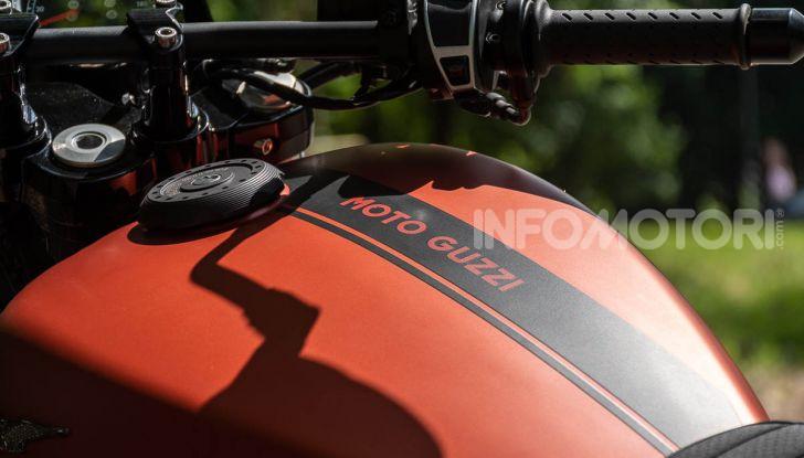 Prova su strada Moto Guzzi V9 Bobber Sport, quando l'estetica si unisce alla sostanza - Foto 26 di 48