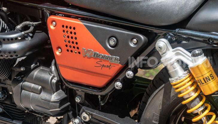 Prova su strada Moto Guzzi V9 Bobber Sport, quando l'estetica si unisce alla sostanza - Foto 31 di 48