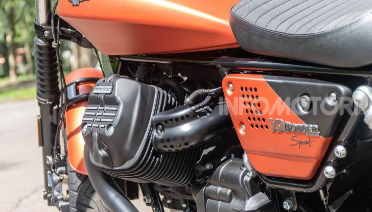 Prova su strada Moto Guzzi V9 Bobber Sport, quando l'estetica si unisce alla sostanza - Foto 33 di 48