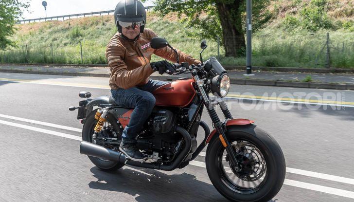 Prova su strada Moto Guzzi V9 Bobber Sport, quando l'estetica si unisce alla sostanza - Foto 43 di 48