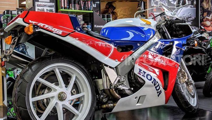 Honda VFR750R – RC30: Il sogno di Soichiro Honda - Foto 12 di 14