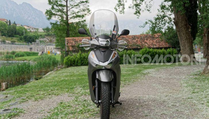 Prova Honda SH300i Sport, sempre il primo della classe! - Foto 8 di 55