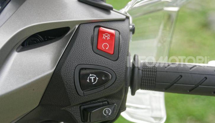 Prova Honda SH300i Sport, sempre il primo della classe! - Foto 24 di 55