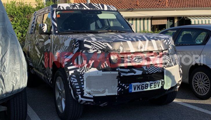 Nuovo Land Rover Defender 2020: le spy photo in pista e su strada - Foto 18 di 24