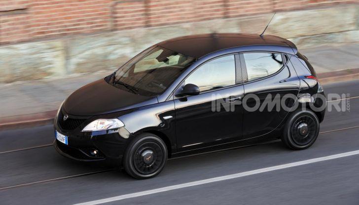Lancia Ypsilon Black and Noir, serie speciale da 9.100 euro - Foto 5 di 40