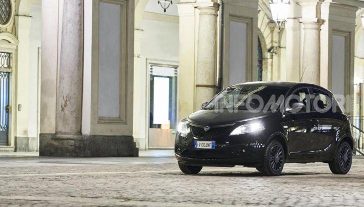 Lancia Ypsilon Black and Noir, serie speciale da 9.100 euro - Foto 18 di 40
