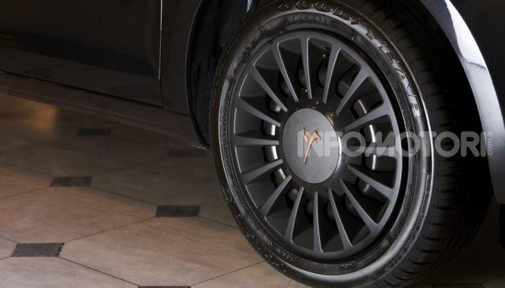 Lancia Ypsilon Black and Noir, serie speciale da 9.100 euro - Foto 22 di 40