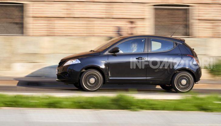 Lancia Ypsilon Black and Noir, serie speciale da 9.100 euro - Foto 6 di 40