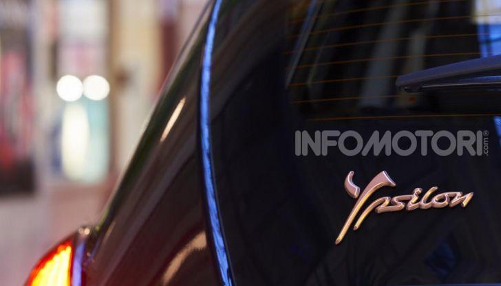 Lancia Ypsilon Black and Noir, serie speciale da 9.100 euro - Foto 4 di 40