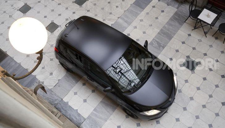 Lancia Ypsilon Black and Noir, serie speciale da 9.100 euro - Foto 31 di 40