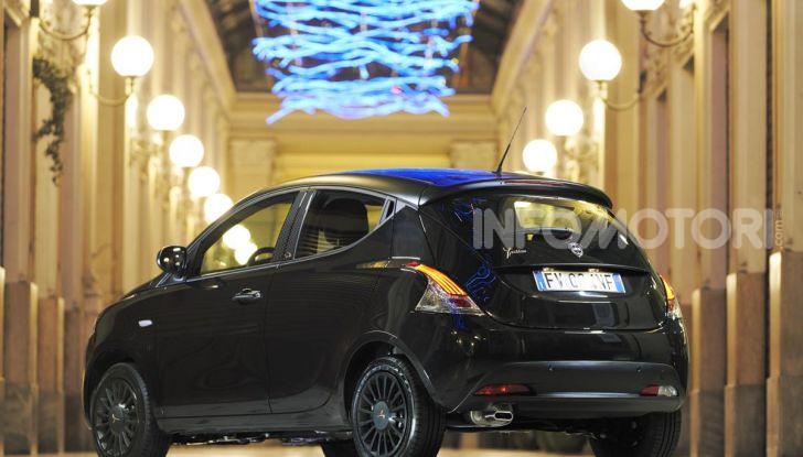 Lancia Ypsilon Black and Noir, serie speciale da 9.100 euro - Foto 37 di 40
