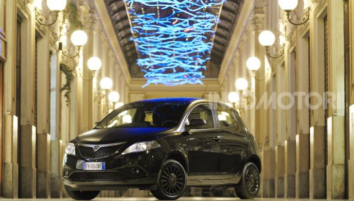 Lancia Ypsilon Black and Noir, serie speciale da 9.100 euro - Foto 2 di 40