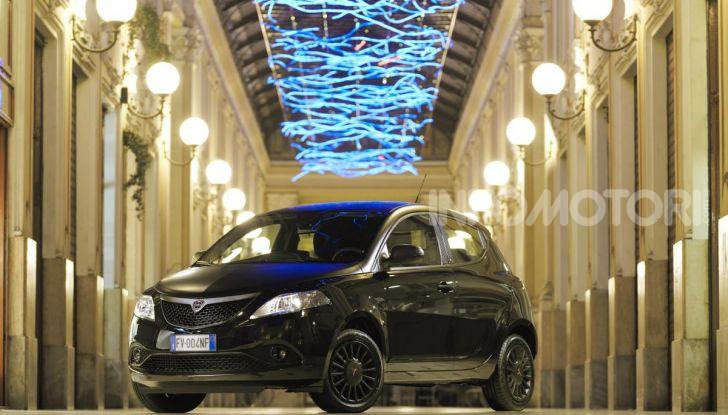 Lancia Ypsilon EcoChic Hybrid: compatta, stilosa e parca nei consumi - Foto 2 di 40