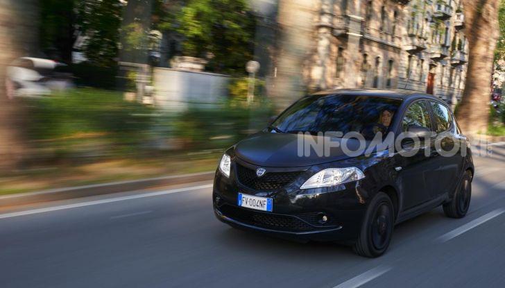 Lancia Ypsilon Black and Noir, serie speciale da 9.100 euro - Foto 8 di 40