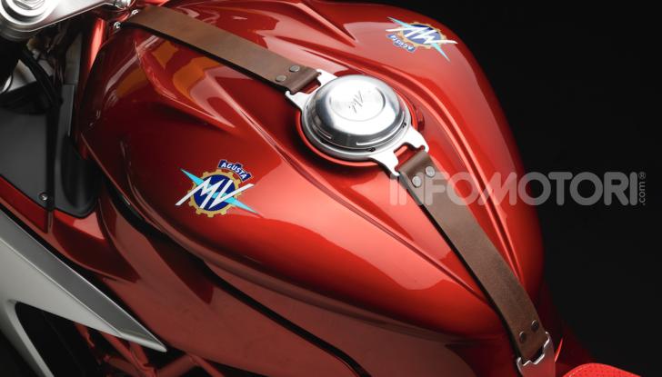 MV Agusta Superveloce 800 Serie Oro entra in produzione - Foto 8 di 9