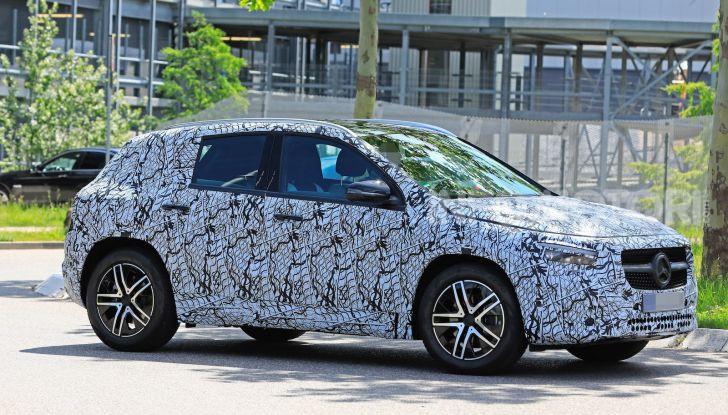 Mercedes GLA 2021, prime informazioni e foto della seconda generazione - Foto 8 di 26