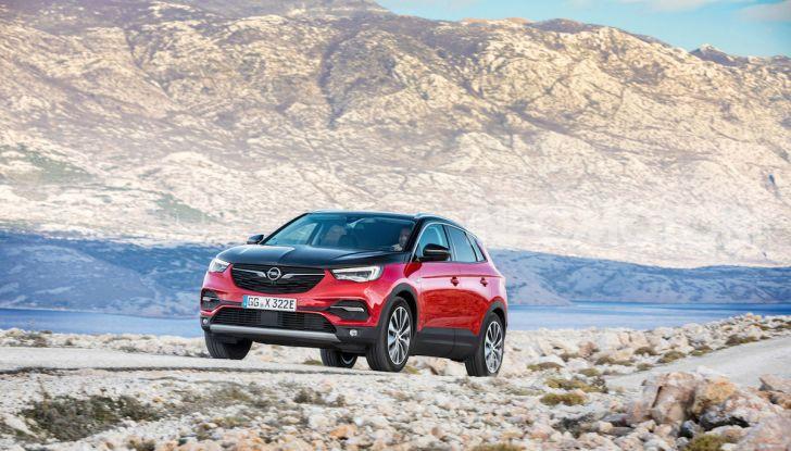 Opel Grandland X: arriva l'ibrido plug-in con trazione anteriore - Foto 1 di 12