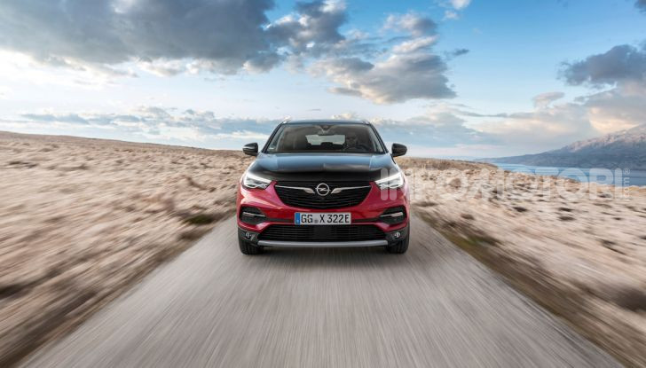Opel Grandland X: arriva l'ibrido plug-in con trazione anteriore - Foto 4 di 12