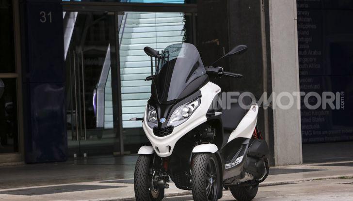 Piaggio MP3 300 hpe: il tre ruote più famoso al mondo ancora più agile e sportivo - Foto 10 di 60