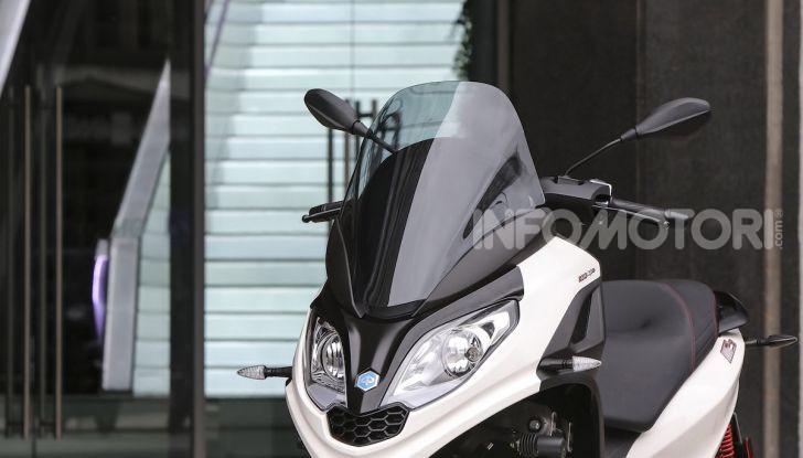 Piaggio MP3 300 hpe: il tre ruote più famoso al mondo ancora più agile e sportivo - Foto 11 di 60