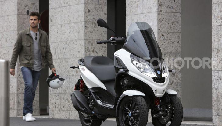 Piaggio MP3 300 hpe: il tre ruote più famoso al mondo ancora più agile e sportivo - Foto 16 di 60