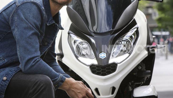 Piaggio MP3 300 hpe: il tre ruote più famoso al mondo ancora più agile e sportivo - Foto 39 di 60
