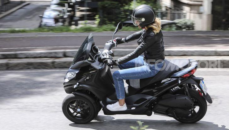 Piaggio MP3 300 hpe: il tre ruote più famoso al mondo ancora più agile e sportivo - Foto 43 di 60