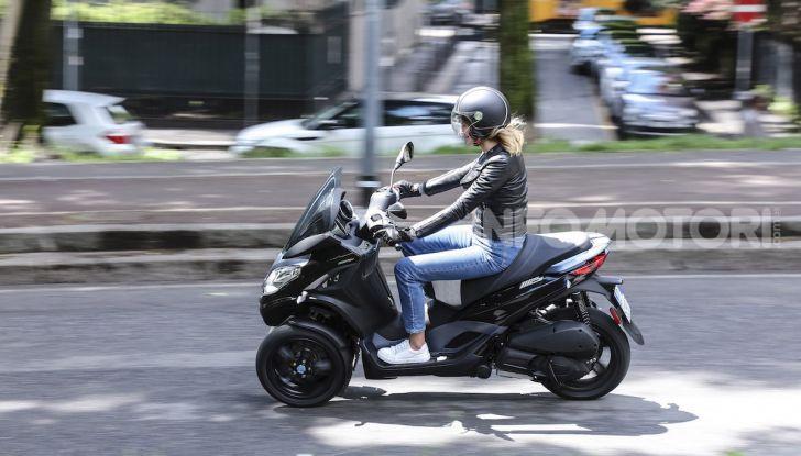 Piaggio MP3 300 hpe: il tre ruote più famoso al mondo ancora più agile e sportivo - Foto 56 di 60