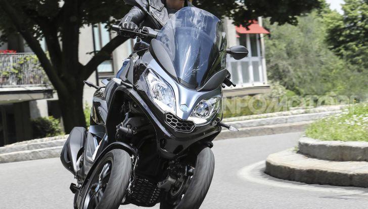 Piaggio MP3 300 hpe: il tre ruote più famoso al mondo ancora più agile e sportivo - Foto 57 di 60