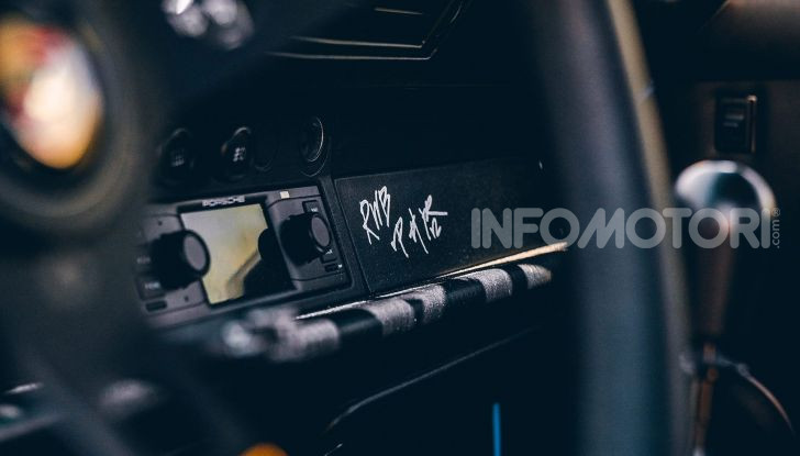 Porsche 911 Blue Riviera, il tuning di RWB - Foto 14 di 20