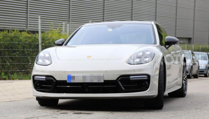 Porsche Panamera Facelift 2020 immagini e caratteristiche - Foto 3 di 5