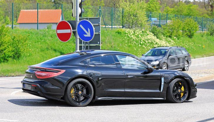 Porsche Taycan, la prova su strada in anteprima arriva dalla Germania - Foto 13 di 43