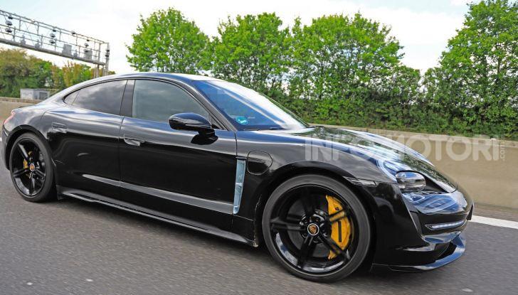 Porsche Taycan, la prova su strada in anteprima arriva dalla Germania - Foto 22 di 43