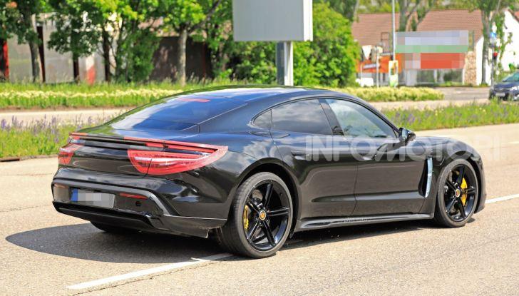 Porsche Taycan, la prova su strada in anteprima arriva dalla Germania - Foto 33 di 43